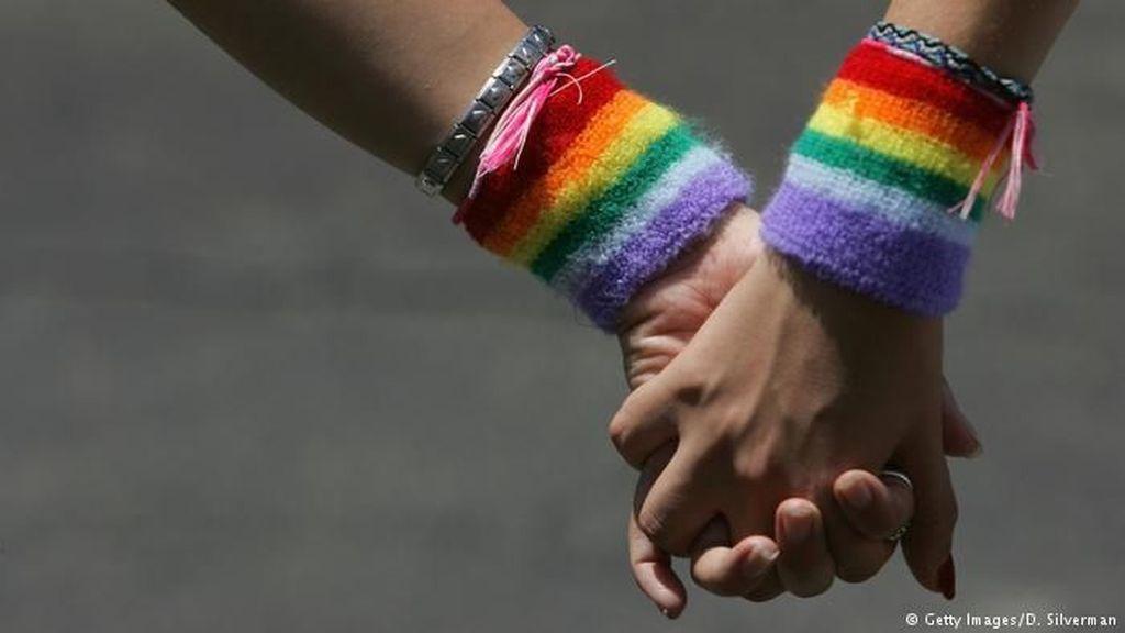 Draf RUU Ketahanan Keluarga: LGBT hingga BDSM Seks Brutal Wajib Lapor!