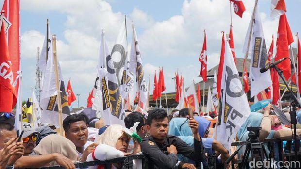 Bendera Garbi Ramaikan Kampanye Prabowo di Bali