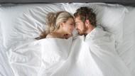 Serupa Tapi Tak Sama, Ini Beda Makna Hubungan Seks dan Bercinta