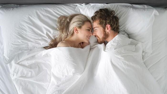 Ilustrasi pasangan bercinta. Foto: iStock