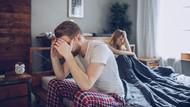 Mengatasi Rasa Tak Nyaman Bercinta karena Istri Pakai KB Spiral