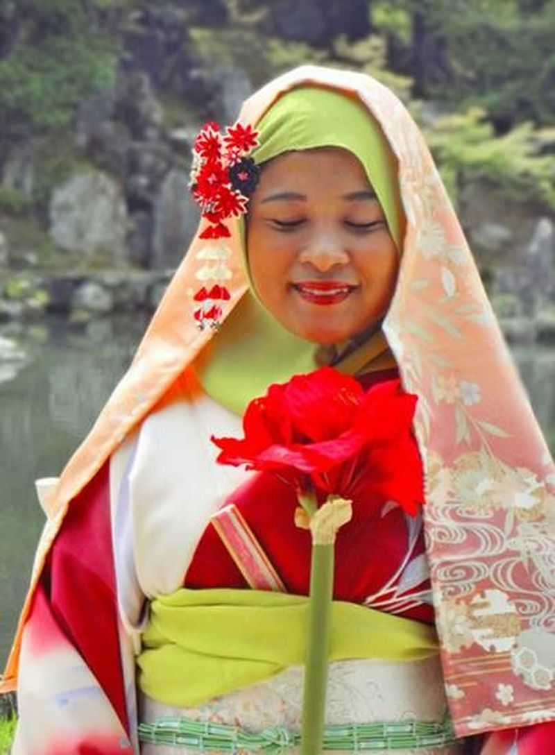 Terdapat beberapa tempat di Jepang yang menyediakan Kimono lengkap dengan jilbabnya. Salah satunya adalah Yoshiya di Kyoto. (Yoshiya Resturaunt/Facebook)