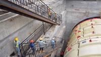 Puspita pun menjelaskan dalam pembangunan terowongan tersebut, bor raksasa yang digunakan akan segera beroperasi. Istimewa/Dok. Wijaya Karya.