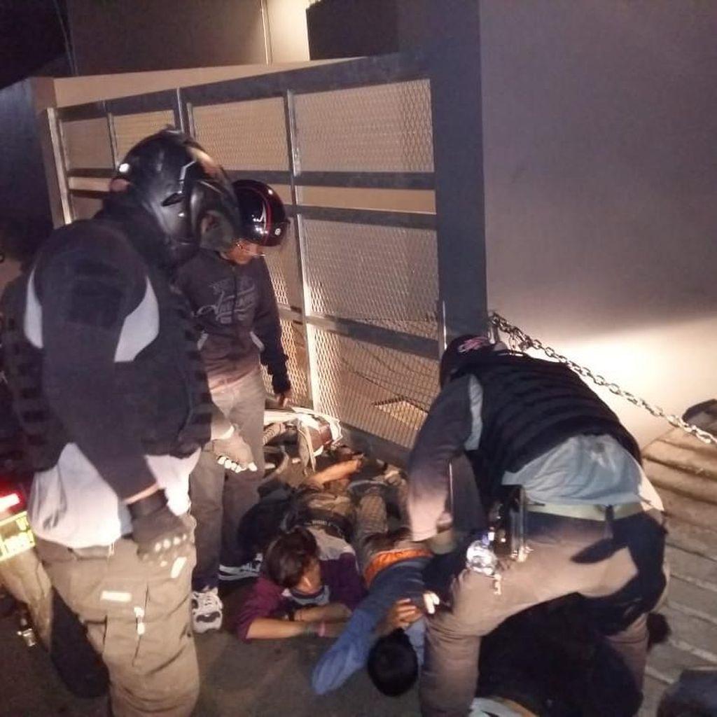 Tim Rajawali Polres Jaktim Tangkap 3 Remaja Pencuri Spion Mobil