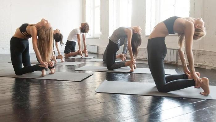 Tren Pakai Legging Jadi Kontroversi Ini Pandangan Para Instruktur Yoga