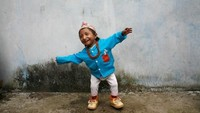 Khagendra Thapa Magar dari Nepal memecahkan rekor sebagai manusia terkecil di dunia. Tingginya hanya 67,08 cm. (Khagendra Thapa Magar/Facebook)