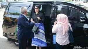 Senyum Tsania Marwa dan Belasan Bodyguard Kawal Atalarik Syah