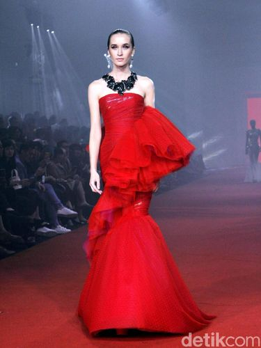 Fashion show Didi Budiardjo.