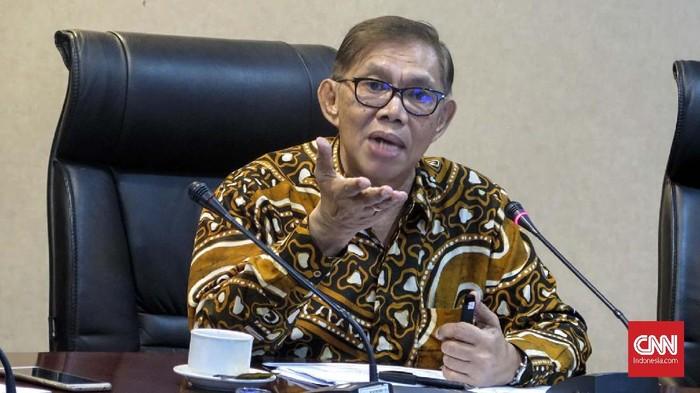 Ketua Komisi Aparatur Sipil Negara Sofian Effendi dalam diskusi media Teguh Membangun Pemerintahan yang Bersih dan Modern di Kantor Staf Kepresidenan, Gedung Bina Graha, Jakarta, Rabu (27/3).