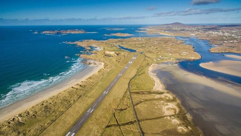 Landasan pacu di Bandara Donegal (Donegal Airport/Facebook)