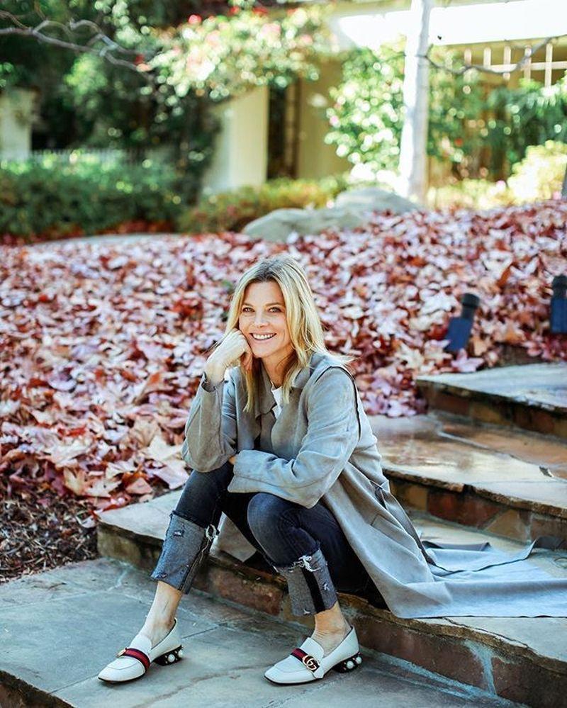 Janet Gunn merupakan artis, selebgram asal Amerika yang juga aktif dalam menulis blog. Dia sering membagikan tulisan traveling, kesehatan dan kecantikan. (janetgunngratefulgardenia/Instagram)