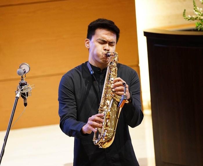 Pria yang memiliki hobi bermain alat musik saxophone ini pun membagikan kisahnya kepada detikcom. (Foto: Instagram/ivankabul, ditampilkan atas izin yang bersangkutan.)