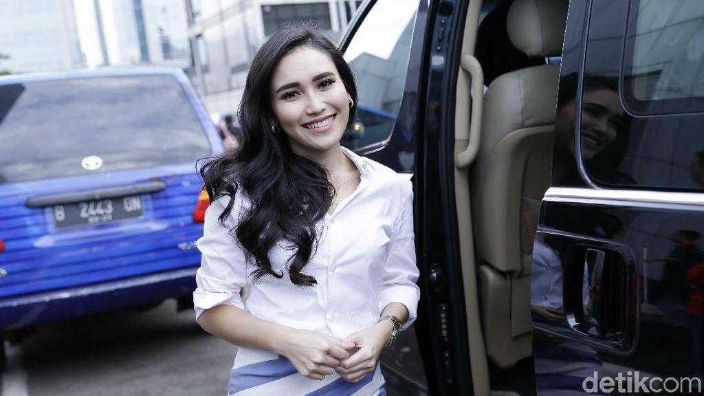 Di-bully karena Dituding Maling Foto, Ayu Ting Ting Ngomel ke Manajemen