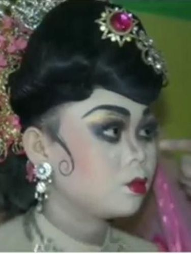 Viral Video Pengantin dengan Makeup Mirip Setan, Bikin Netizen Kasihan