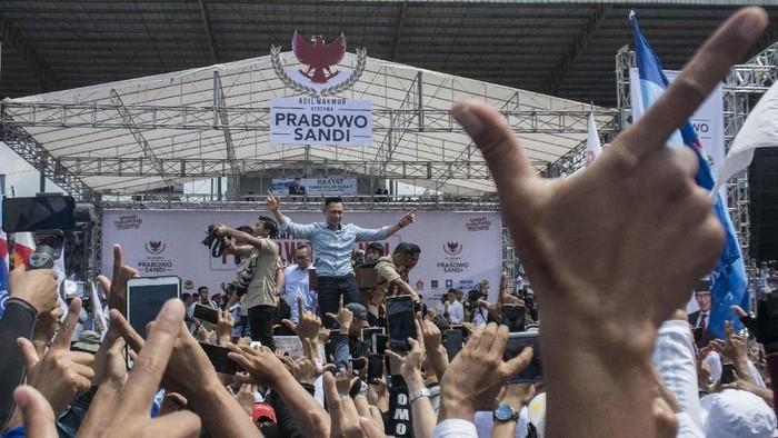 Prabowo kampanye bersama AHY di Jawa Barat. (ANTARA FOTO/Novrian Arbi)