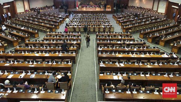 Pemandangan salah satu rapat paripurna DPR Ke- 15 penutupan masa persidangan IV 2018-2019 yang digelar di ruang sidang Paripurna Nusantara II, Kompleks DPR/MPR pada Kamis (28/3)