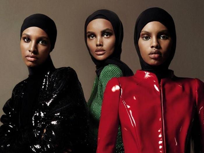 Tiga model berhijab eksis di sampul majalah Vogue Arabia. Foto: Dok. Vogue Arabia