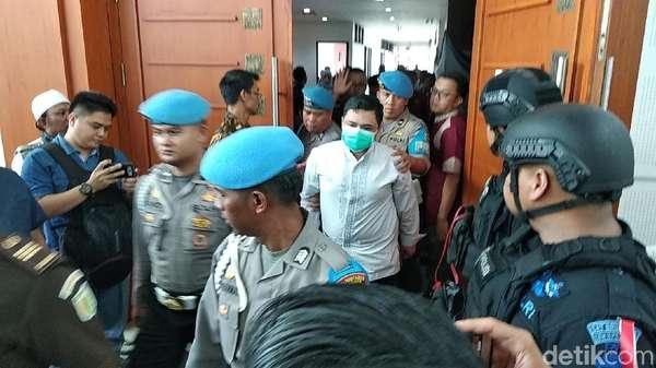 Pakai Masker, Korban Penganiayaan Habib Bahar Diteriaki Pengunjung