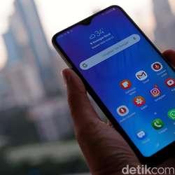 Samsung Galaxy M10, Ponsel  Low End yang Kekinian