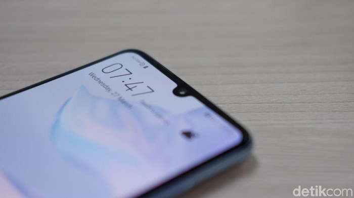 Review Huawei P30. (Foto: Adi Fida Rahman/detikINET)