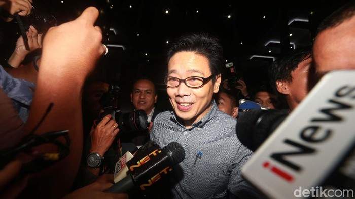 Pengusaha Samin Tan tidak ditahan penyidik KPK setelah menjalani pemeriksaan. Samin merupakan tersangka pemberi suap pada mantan anggota DPR Eni Maulani Saragih.