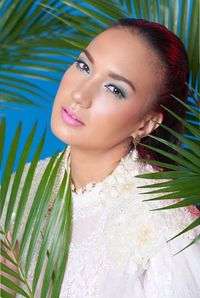 Nadine Chandrawinata jadi model untuk kampanye pameran di Indonesia Fashion Week 2019