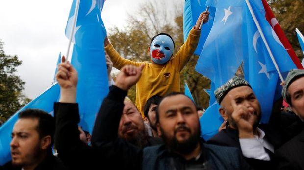 Salah satu kasus HAM di China yang jadi sorotan dunia, kekerasan terhadap muslim Uighur.