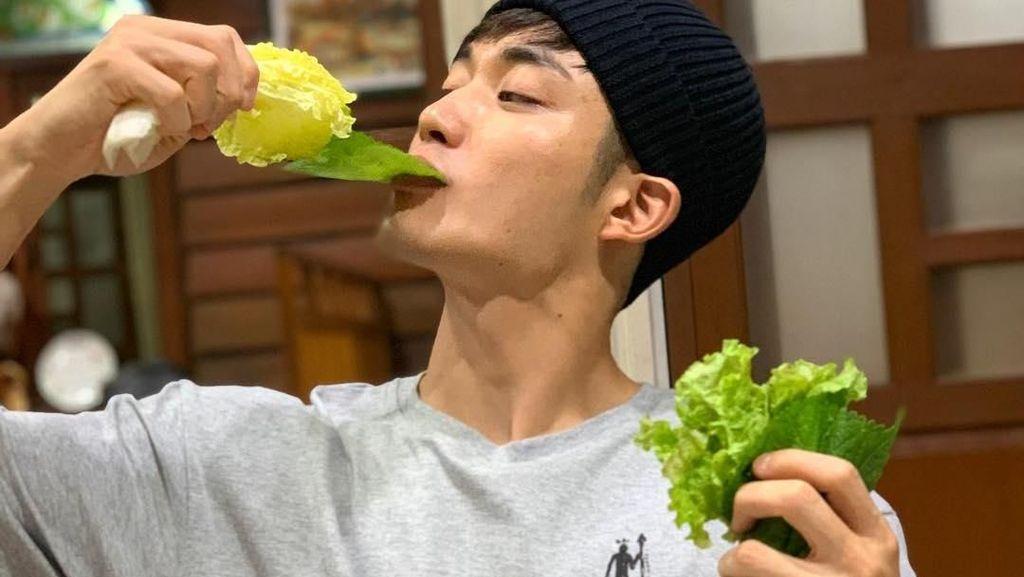 Disebut Mantan Pacar Lucinta Luna, Ini Gaya Makan Model Korea Park Nam