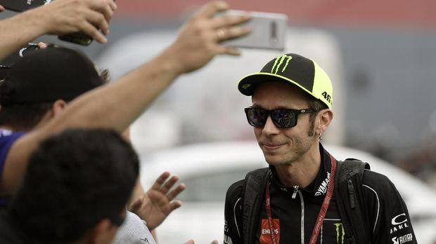 Valentino Rossi menjadi pebalap yang paling banyak diburu penggemar di MotoGP Argentina 2019.