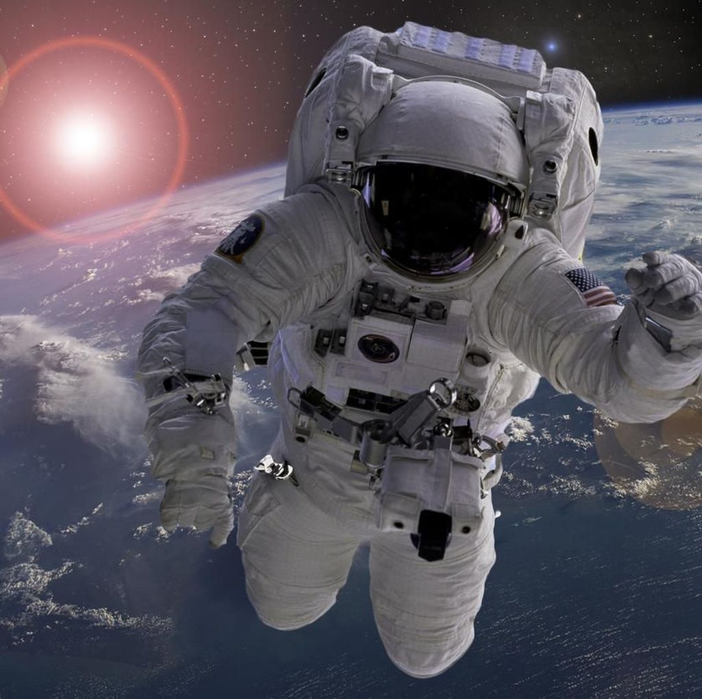 17 Juni 1985, Kisah Astronot Muslim Pertama di Luar Angkasa
