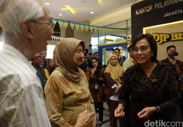 Pada kesempatan itu juga dilakukan dalam rangka meninjau kegiatan pelaporan surat pemberitahuan tahunan (SPT) pajak penghasilan (PPh) di wilayah Jakarta Selatan.