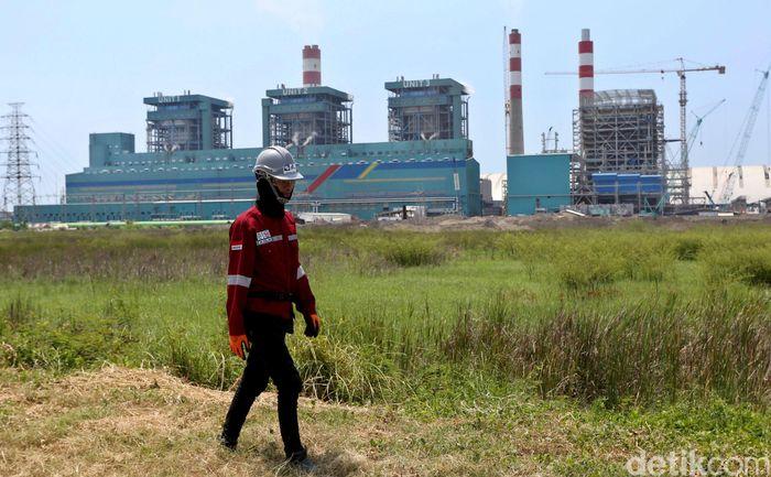 Pembangunan Pembangkit Listrik Tenaga Uap (PLTU) Lontar Extention di Banten progressnya sudah mencapai 87,68% dan sedang terus dikebut pengerjaannya.