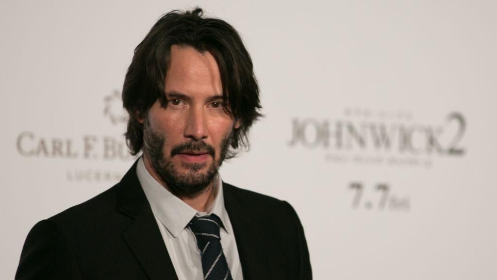 Keanu Reeves Tawarkan Kencan Online Bagi Donatur Badan Amal Kanker Anak