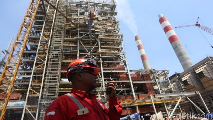 Pusat Listrik Tenaga Uap (PLTU) Lontar di Banten, memiliki kapasitas 1x315 Megawatt. PLTU ini nantinya akan menyokong persediaan listrik kawasan Jawa dan Bali.