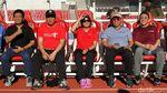 Gaya Sri Mulyani Saat Jadi Pelatih Sepakbola Dadakan