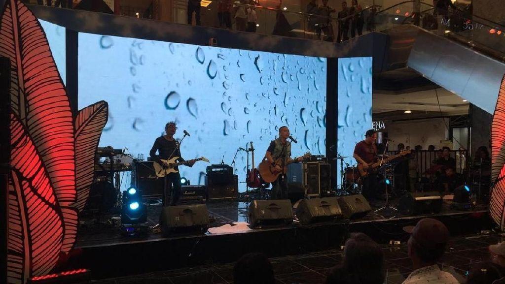 The Rain Merasa Terhormat Bisa Manggung di Trans Studio Mall Bali