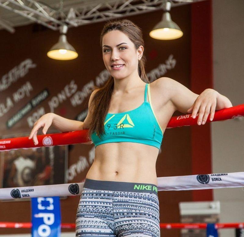 Dinobatkan sebagai atlet terseksi Kazakhstan, Firuza mengungkapkan pemotretannya dengan majalah Playboy. Namun, ia menolak karena tak mau difoto bugil (sharipova_firuza/Instagram)