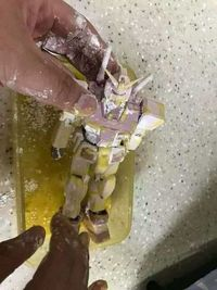 Goreng Mainan Robot Gundam Berbalut Tepung, Pria Ini Dikomentari Gordon Ramsay