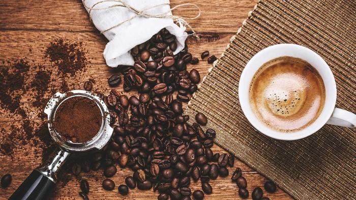Dirangkum dari CNN, dibutuhkan sekitar 130 liter air untuk membuat satu cangkir kopi. 96 persen water footprint dari kopi datang dari air hujan. Foto: Istimewa