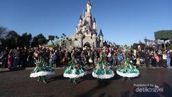 Disney Donasi 150 Ribu Jas Hujan untuk Tenaga Medis