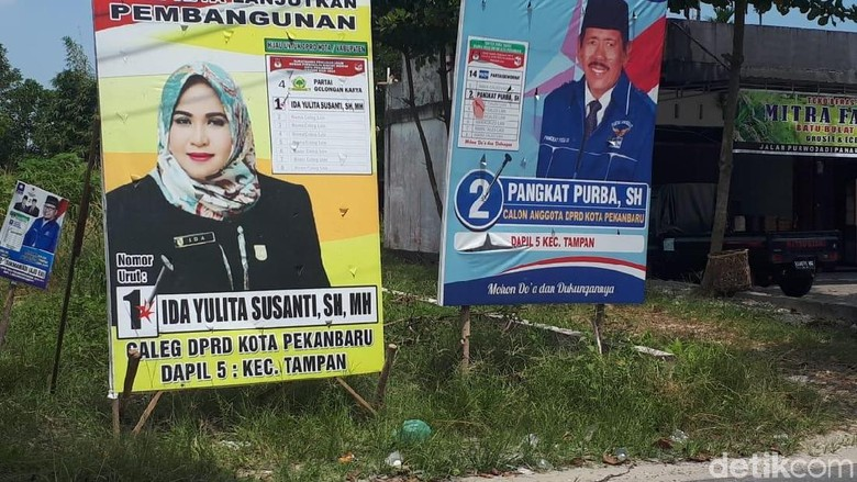 PDIP Riau Sayangkan Caleg Partai Koalisi Tak Pajang Gambar Jokowi
