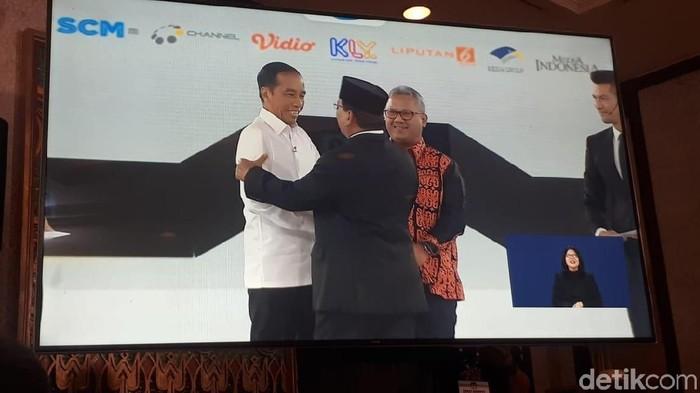 Jokowi dan Prabowo sebelum debat keempat Pilpres 2019. Foto: Dwi Andayani/detikcom