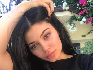 Kata Pakar Kulit Soal Scrub dari Kacang Kylie Jenner yang Dianggap Berbahaya