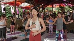 Yoga ini menekankan pada chi yang berbeda-beda setiap orangnya. dengan menyadari itu, bukan hanya kesehatan fisik yang didapatkan tetapi juga mental.
