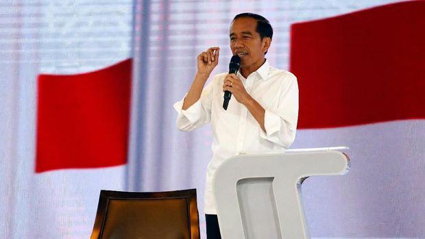 Jokowi, Dilan, & Kritik Prabowo Soal 'Kartu Sakti' Pemerintah