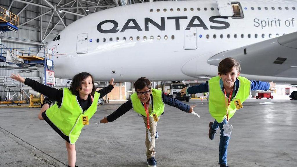 Bos-bos Qantas Bertemu Bocah yang Suratnya Viral di Twitter