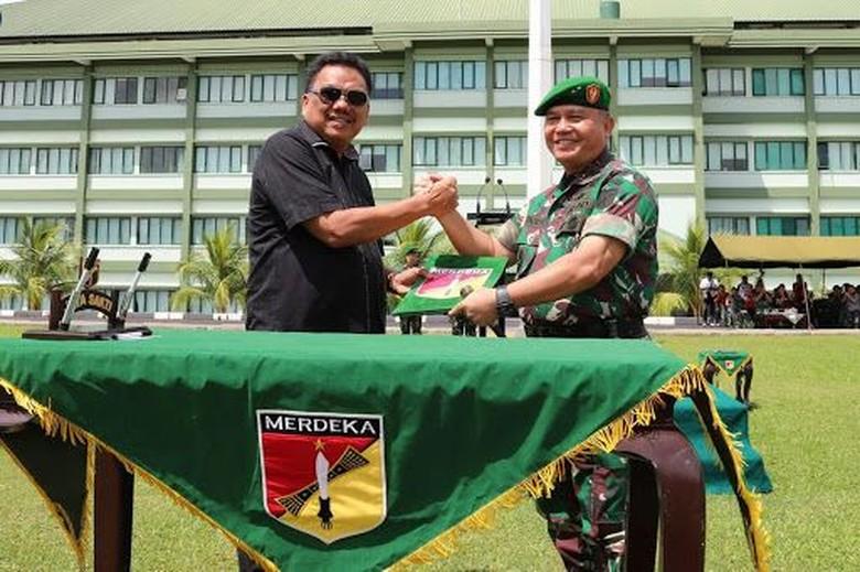 Tunjang Kinerja TNI, Gubernur Sulut Beri Bantuan 10 Motor
