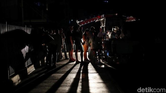 Venezuela, negara yang kaya akan minyak tini engah mengalami pemadaman listrik berskala nasional sejak awal bulan. Begini kondisinya sekarang.