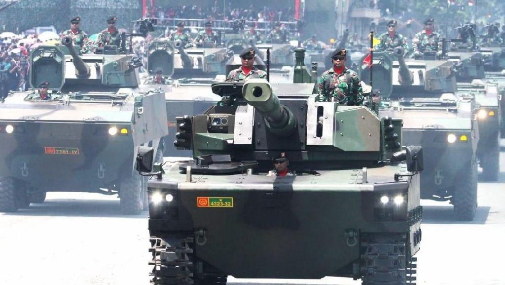 Penampakan Tank dan Kapal Selam RI yang Disebut Jokowi di Debat