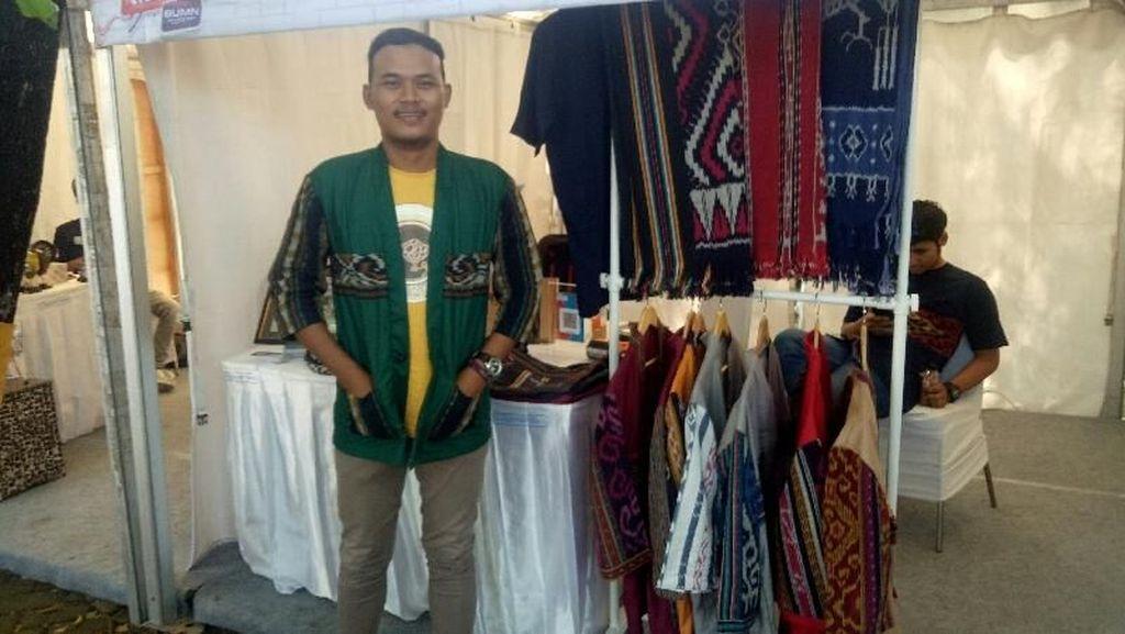 Kreatif, Millenial Ini Desain Kimono dari Kain Tenun Nusantara
